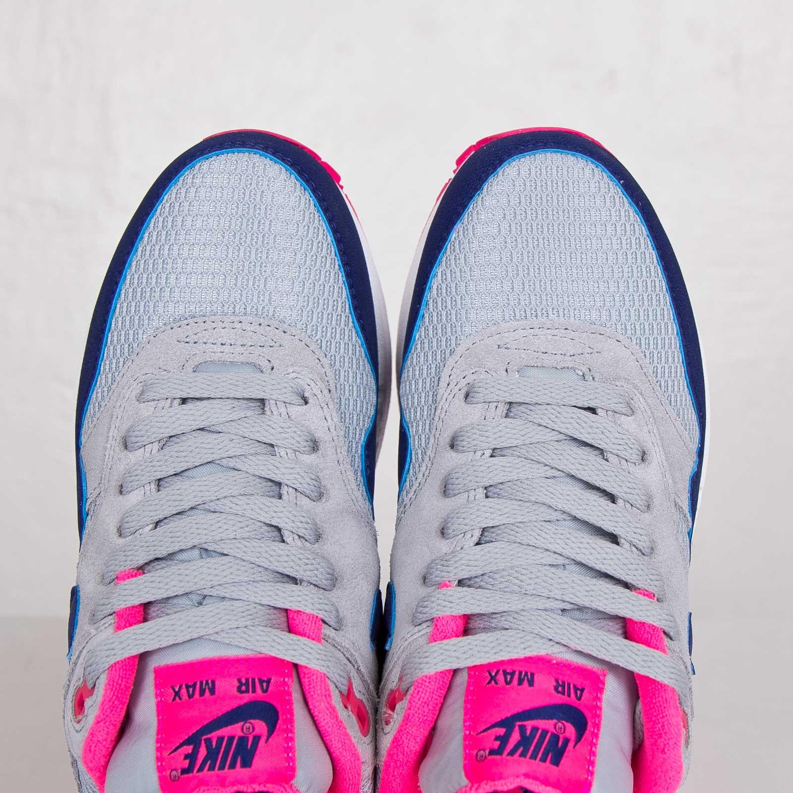 Nike Sportswear Womens Air Max 1 Essential Light Magnet GreyDeep Royal BlueHyper Pink