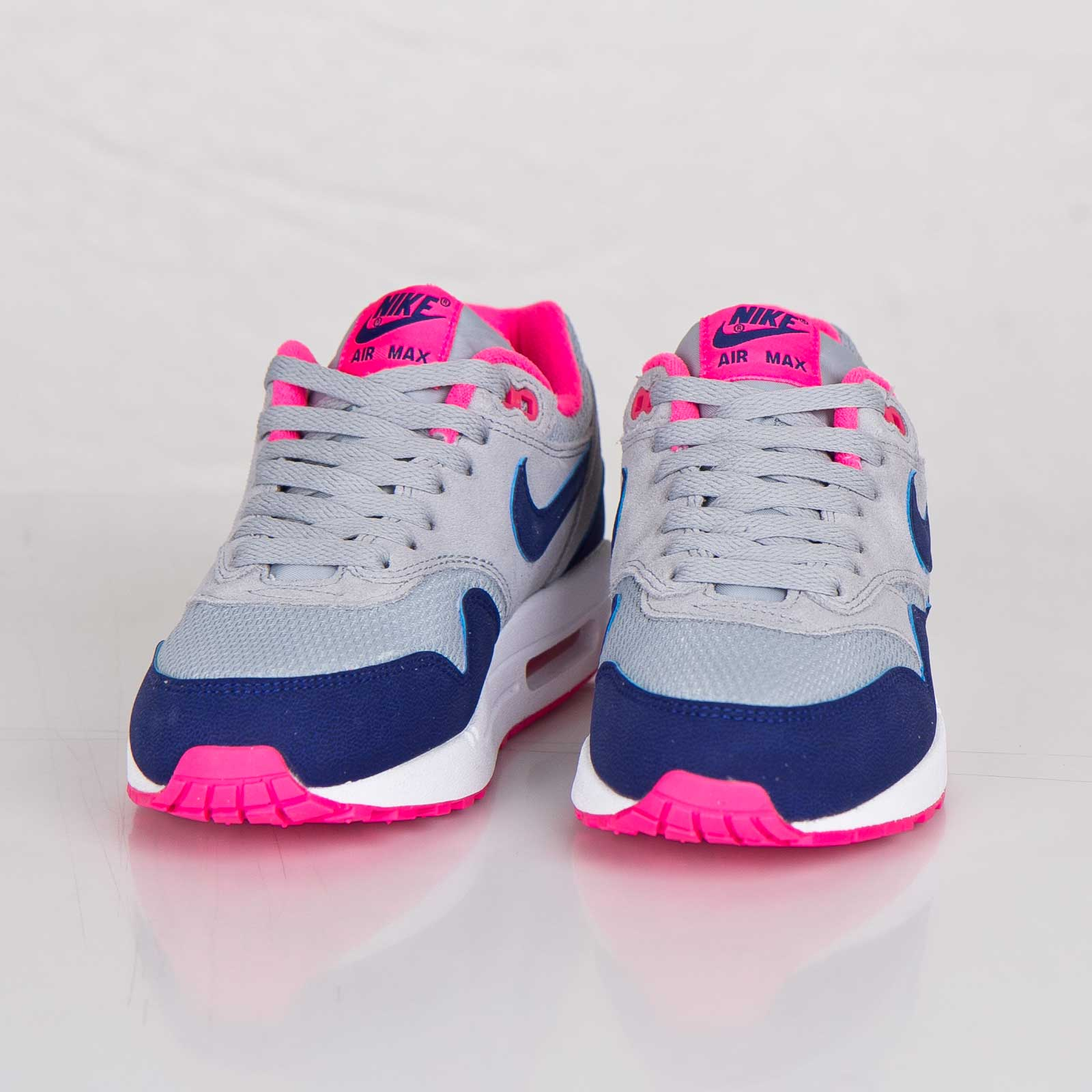 new concept 0b40e d4164 Nike Wmns Air Max 1 Essential - 599820-003 - Sneakersnstuff   sneakers    streetwear online since 1999