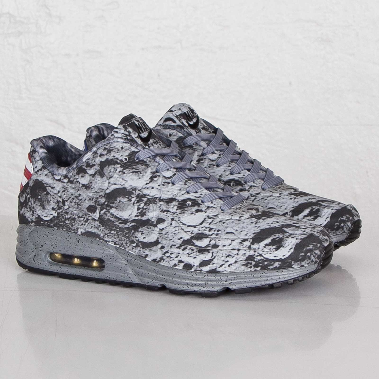 Nike Air Max Lunar 90 SP Moon Landing Reflective Silver 700098 007 Mens Womens Running Shoes 700098 007