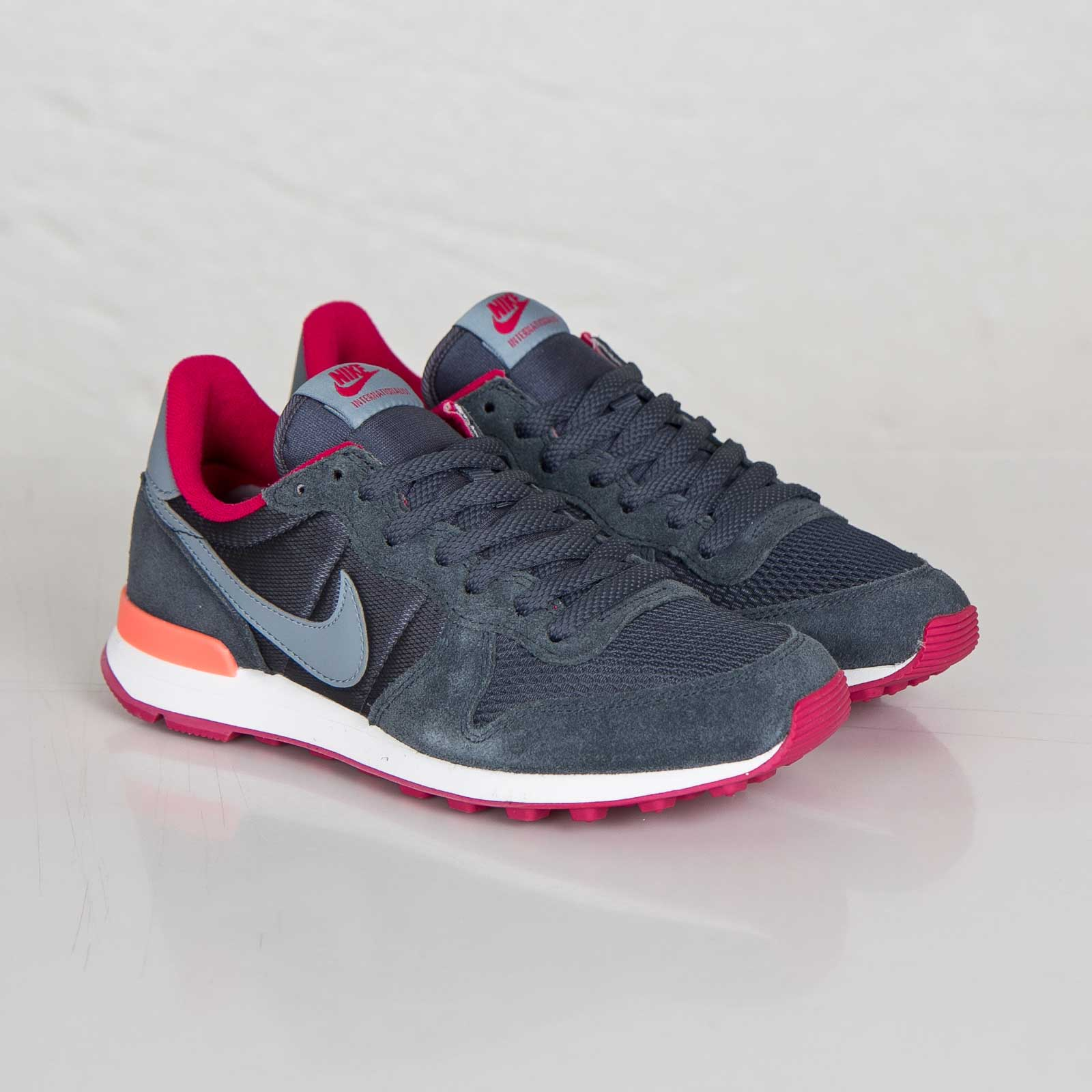 official photos 25a07 0da6e Nike Wmns Internationalist
