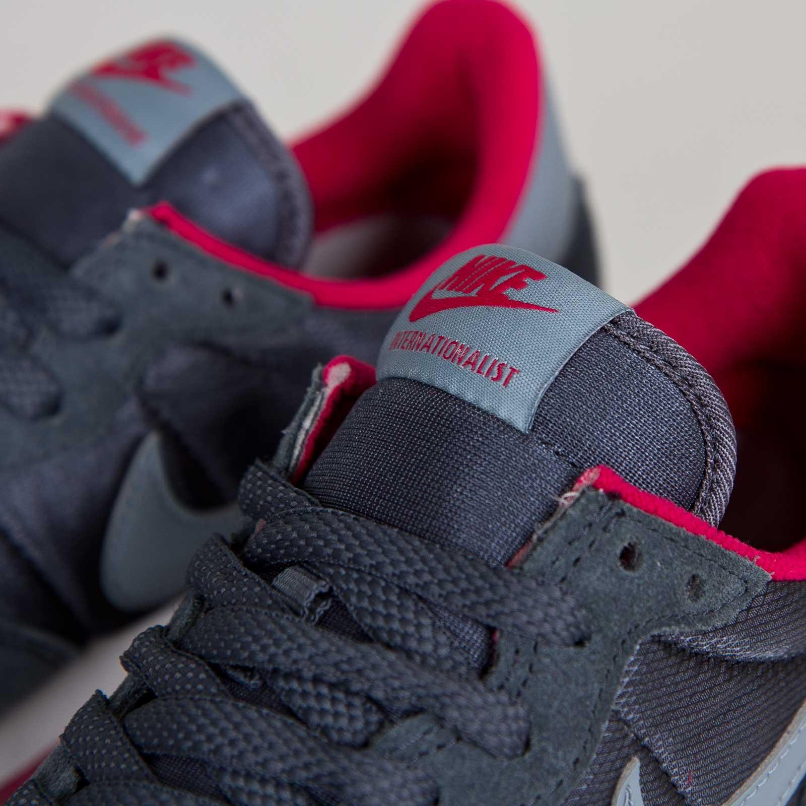 new product b3657 00a46 Nike Wmns Internationalist - 629684-006 - Sneakersnstuff   sneakers    streetwear online since 1999
