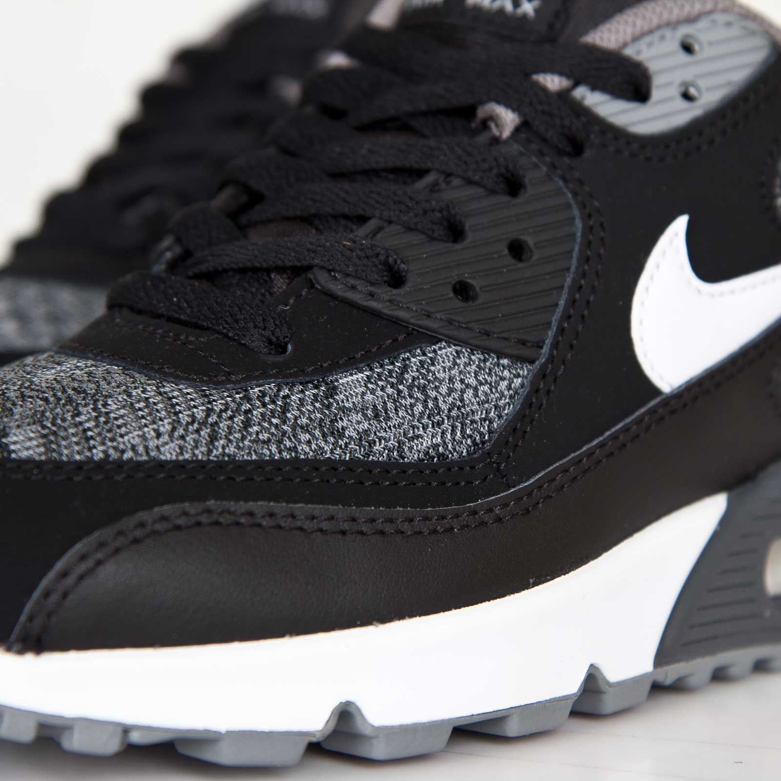quality design e862a 5e121 Nike Air Max 90 (GS) - 307793-005 - Sneakersnstuff   sneakers   streetwear  online since 1999