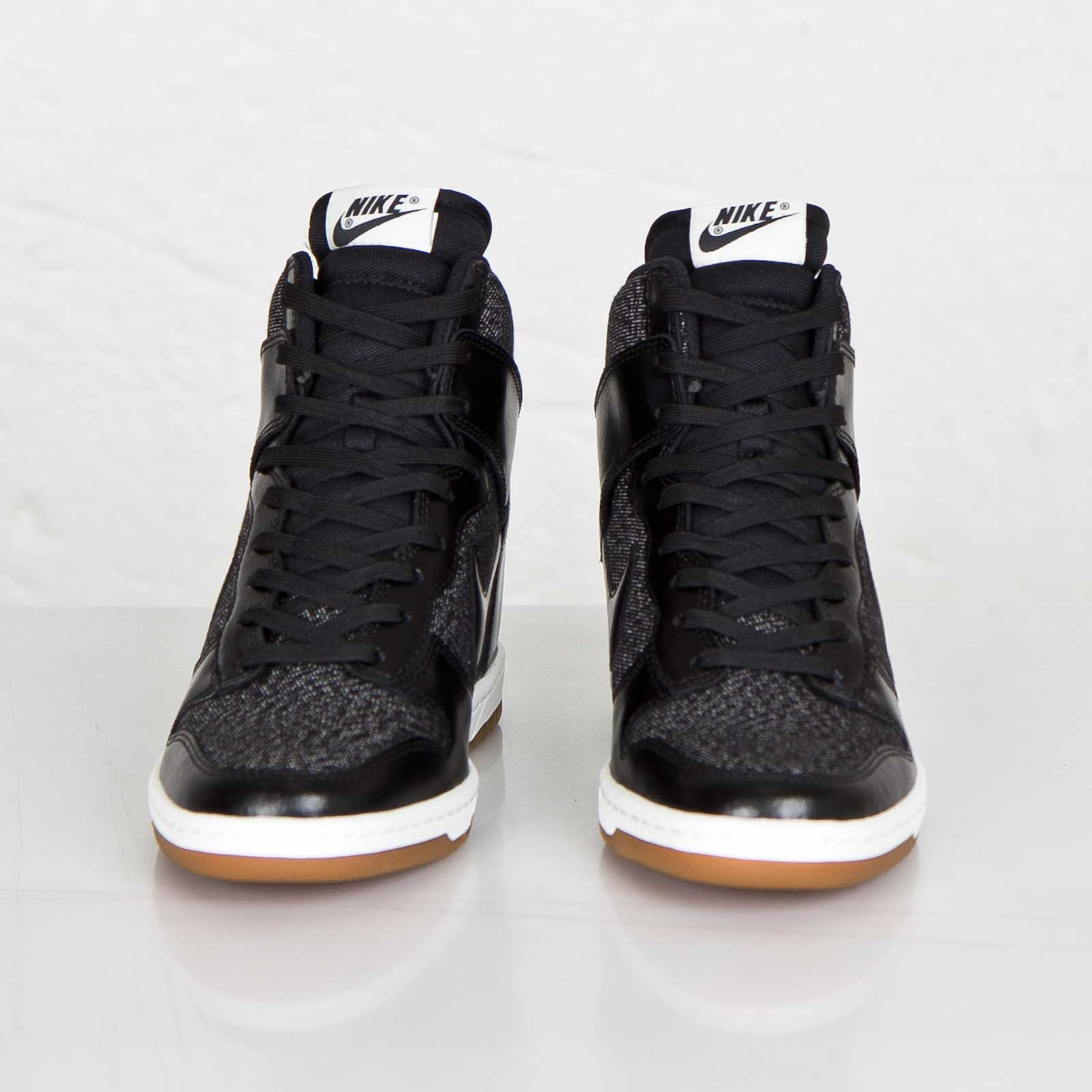 cheap for discount f631c 1af8d Nike Wmns Dunk Sky Hi Essential - 644877-003 - Sneakersnstuff   sneakers    streetwear online since 1999
