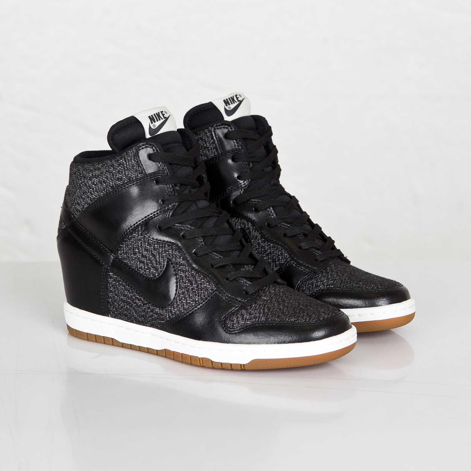 sports shoes e22ea fdd05 ... new arrivals nike wmns dunk sky hi essential 40de9 505ac