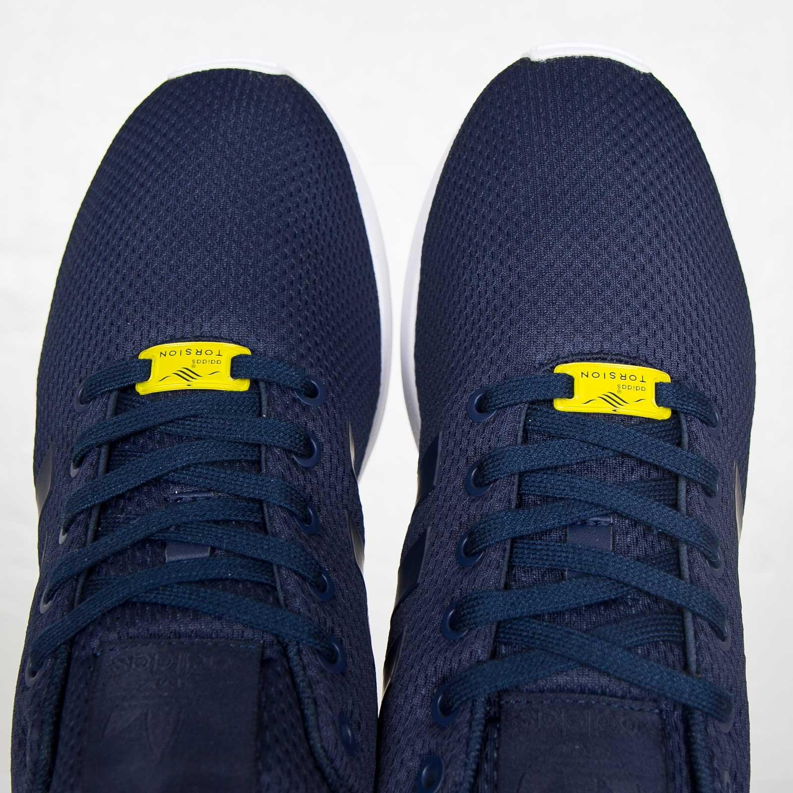 on sale 2deb2 e0c53 adidas ZX Flux - 7. Close