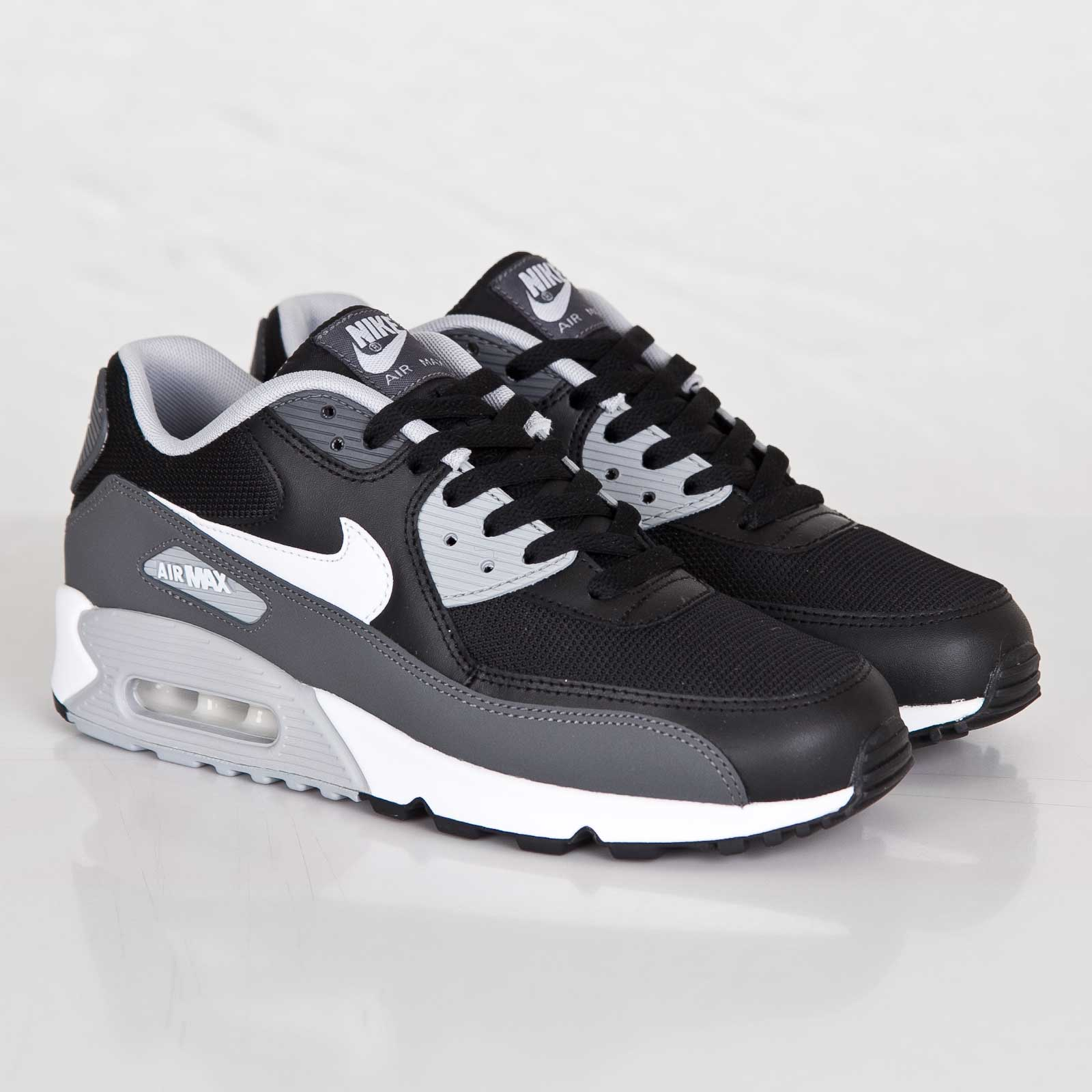 Nike Air Max 90 Essential 537384 032 Sneakersnstuff