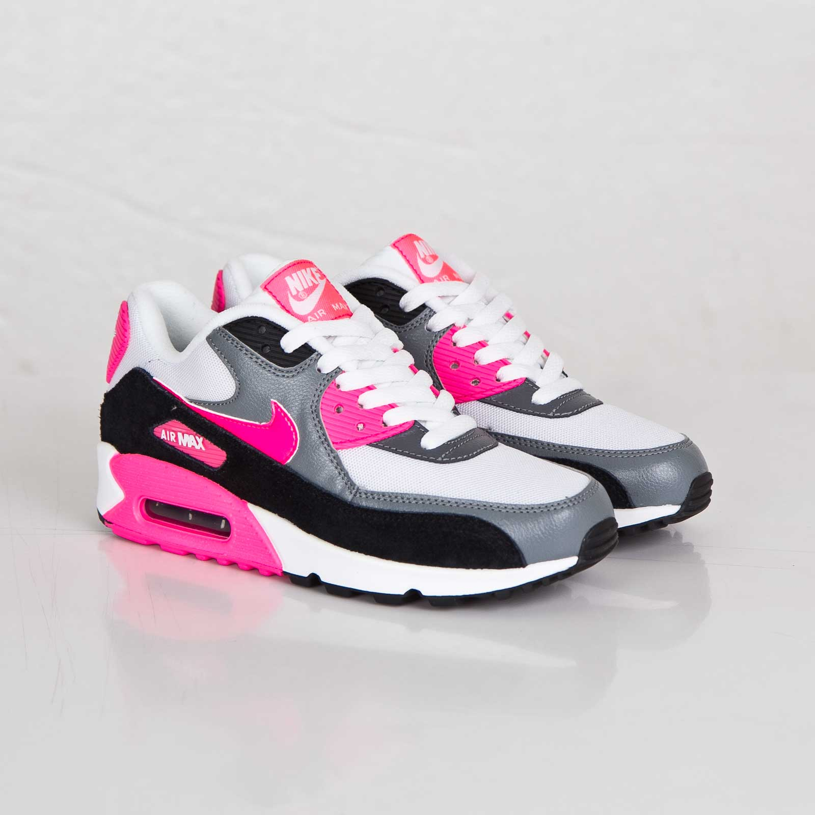 0ba555ae92 Nike Wmns Air Max 90 Essential - 616730-101 - Sneakersnstuff ...