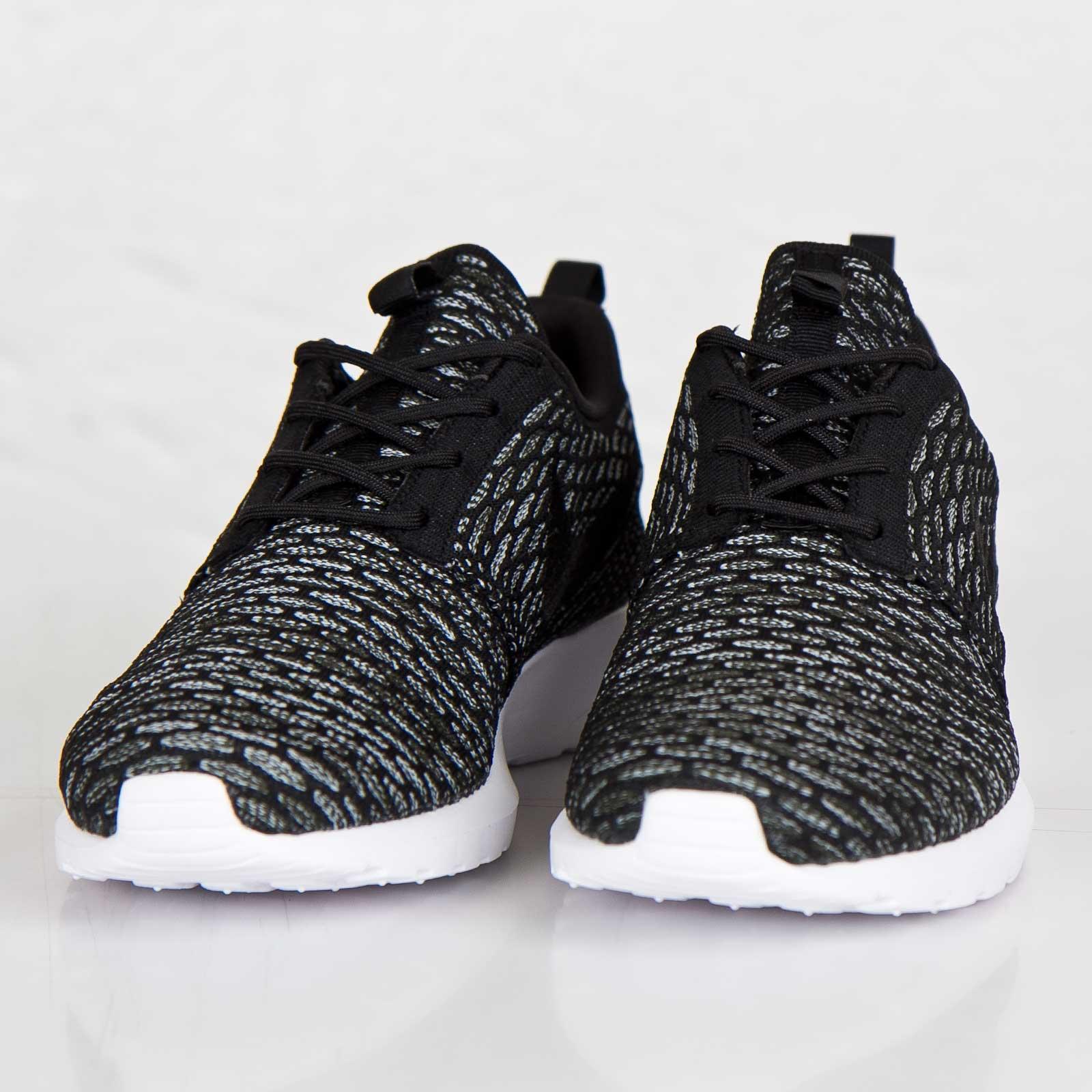 the latest b7fca 4c2a8 Nike Flyknit Roshe Run - 677243-003 - Sneakersnstuff   sneakers    streetwear online since 1999
